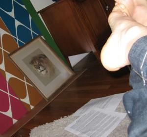 Feet photos give navel-gazing a good name.