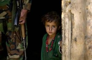 AFG_child_soldier_77